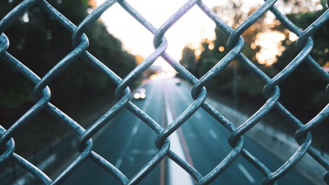 blur-cars-chain-339814